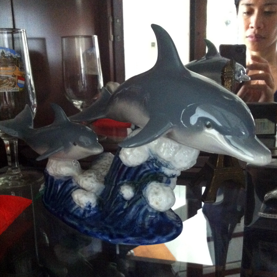 Glass dolphin