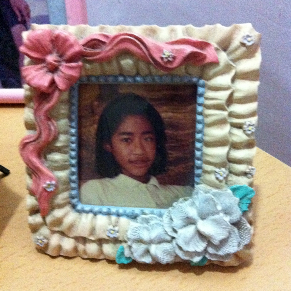 Hideous picture frame 02